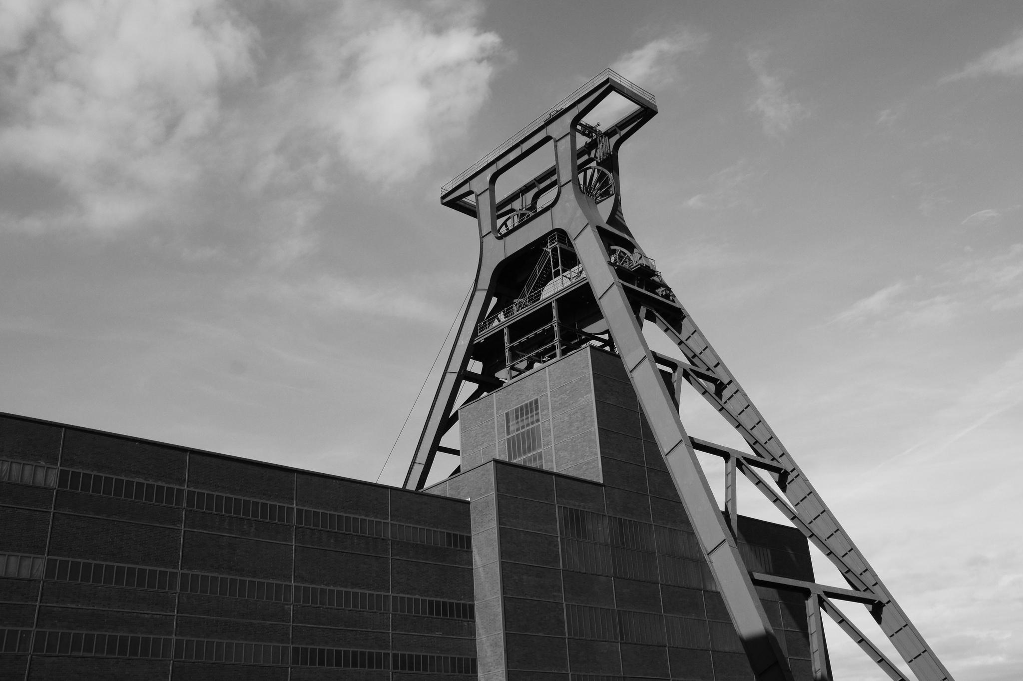 Tichys Einblick: Der Arbeitnehmer zahlt die Zeche