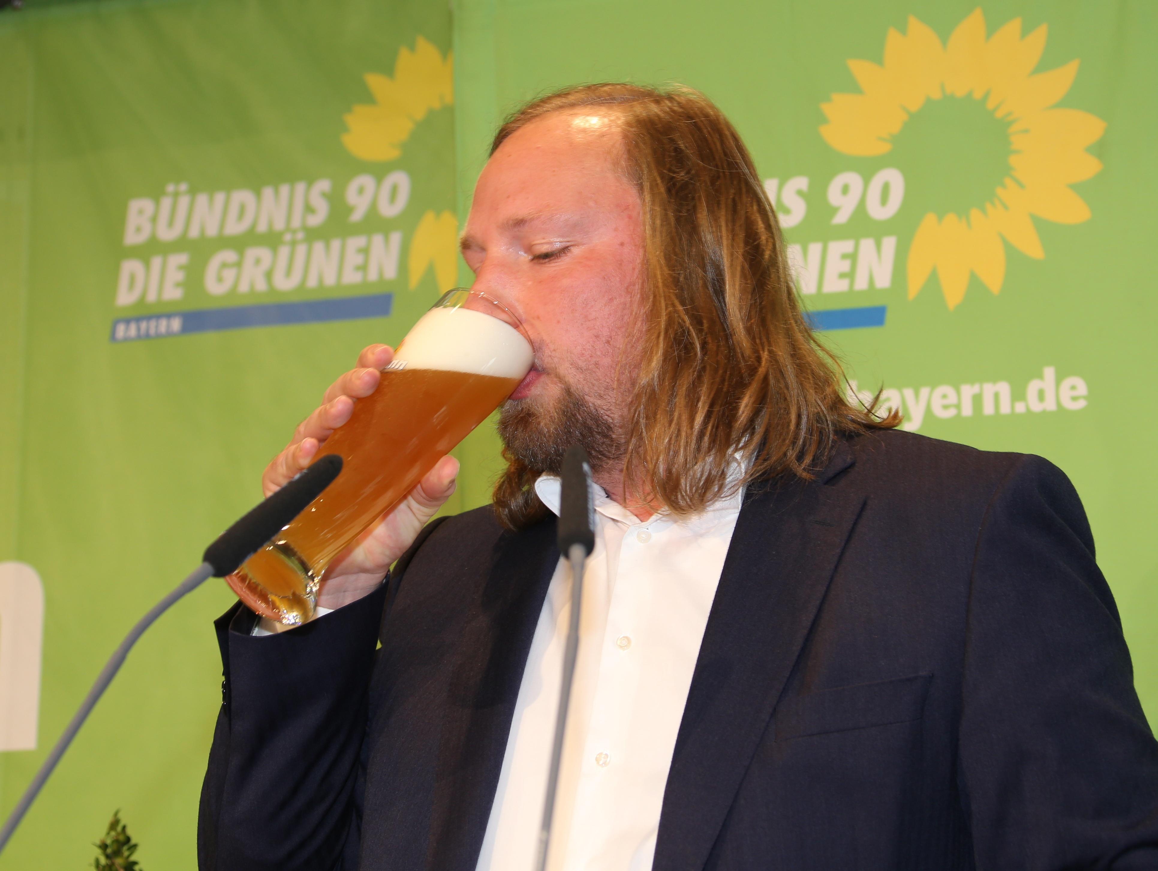 """Tichys Einblick: Wenn die Grünen """"Hermann Löns, die Heide brennt"""" singen"""