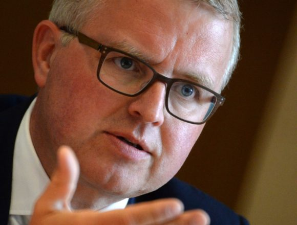 Schäffler kritisiert Hängepartie um Übernahme der Flugsicherungskosten
