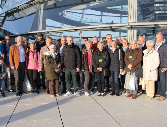 Den Berliner Entscheidungen auf der Spur – Die Dorfgemeinschaft Ahle zu Gast im Bundestag
