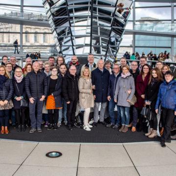 Zu Gast in Berlin: Bürger aus dem Mühlenkreis diskutieren über Bargeld und die Bezahlmodelle der Zukunft