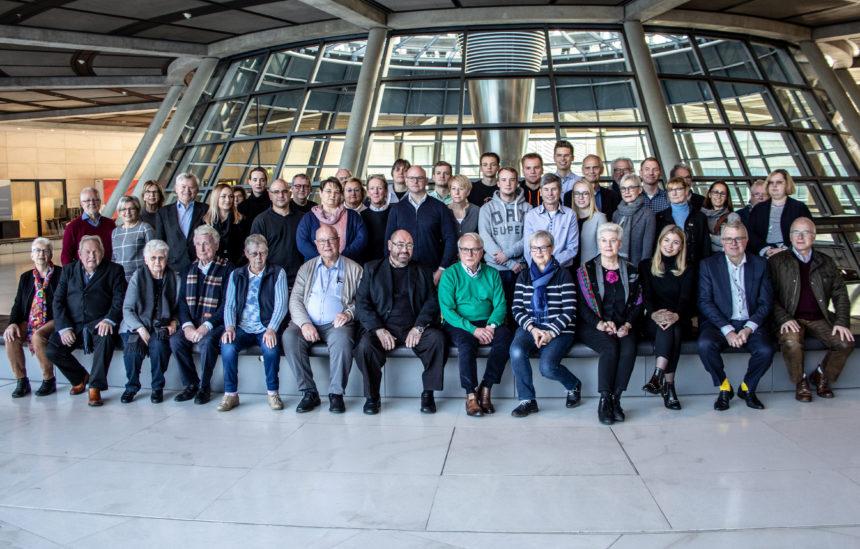 FDP Bielefeld stimmt sich mit Besuch im Bundestag auf Kommunalwahl ei